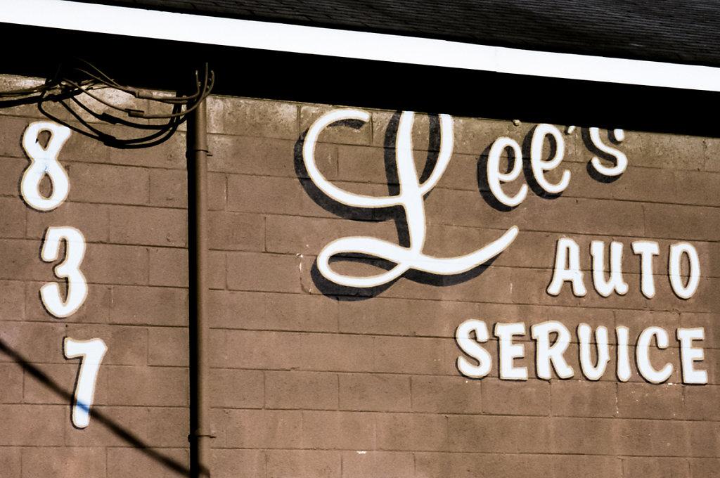 Lee's Auto Service