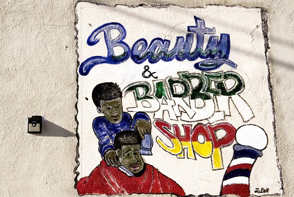 Gee's Cutz Barbar and Beauty Salon