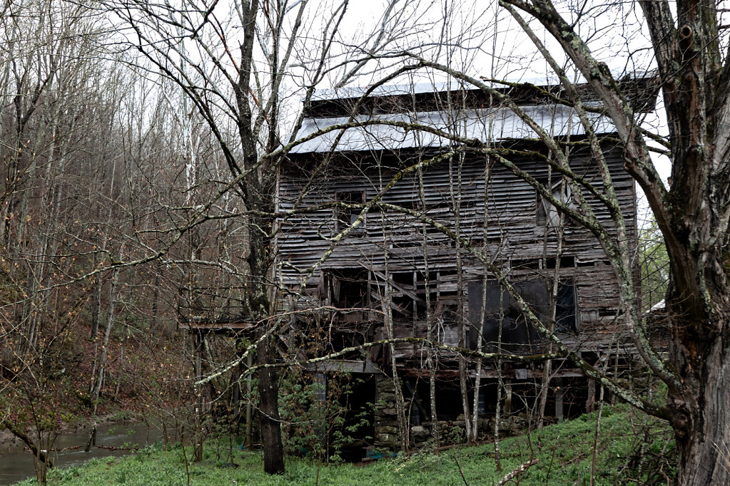 Ghost of a Barn, VA